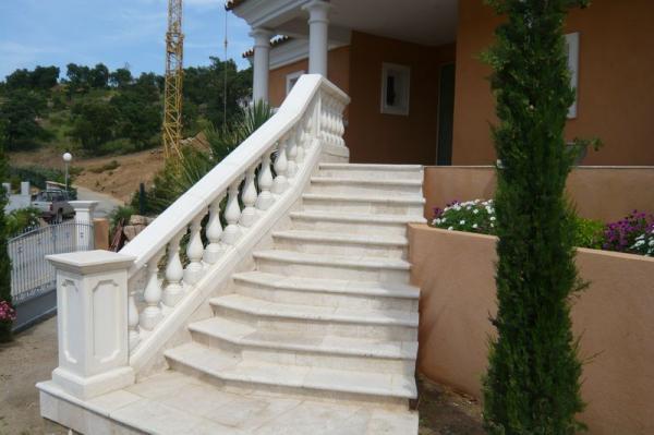 Balustres prestige ton blanc toulon var brignoles fr jus for Lustre terrasse exterieur