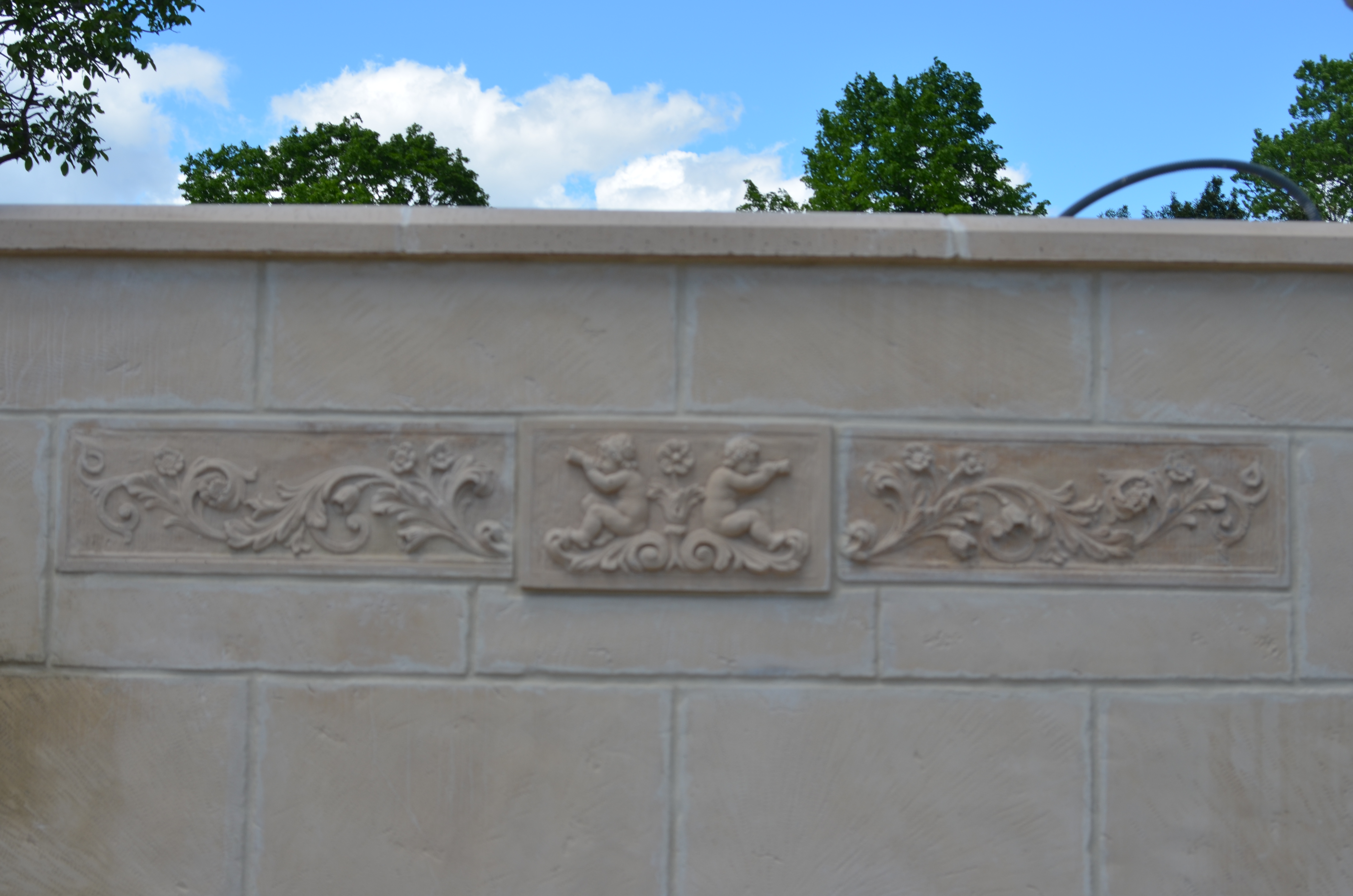 Bas relief d cors murals fabricant placages for Bas relief mural