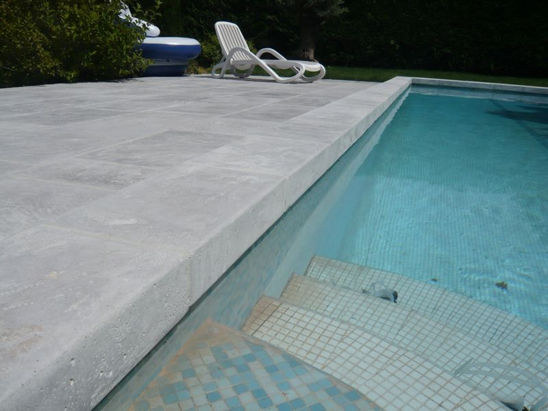 Dallage piscine margelles bassin fabricant dallages for Fabricant de liner sur mesure